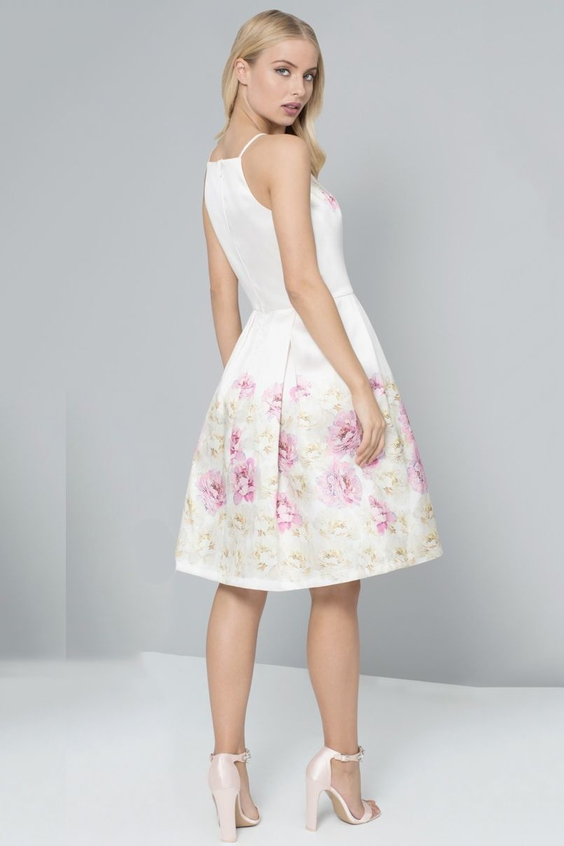 ... biele Chi Chi London spoločenské šaty Mona c3e03509185