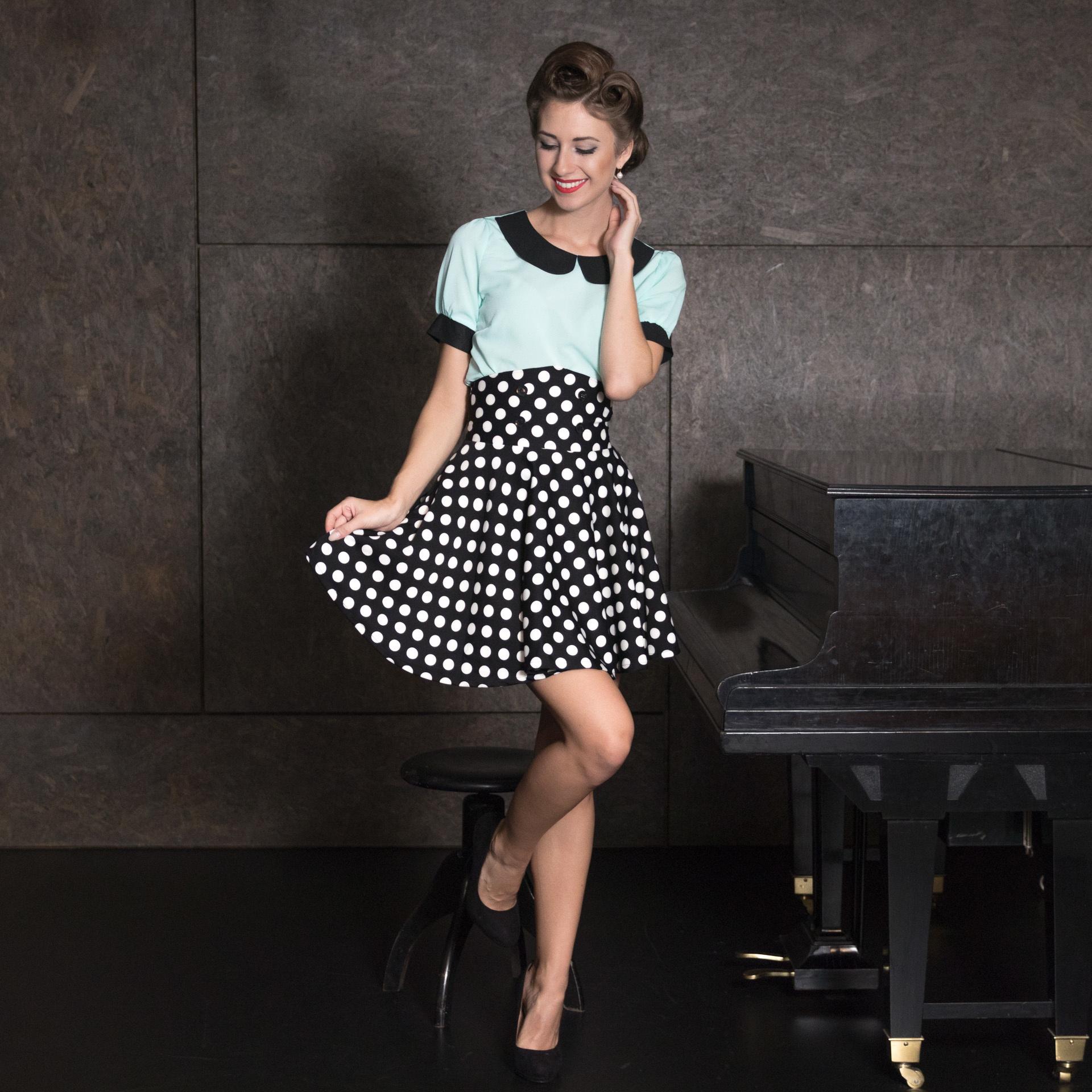 9d426f708aae ... Krátka pásová retro sukňa Andrea
