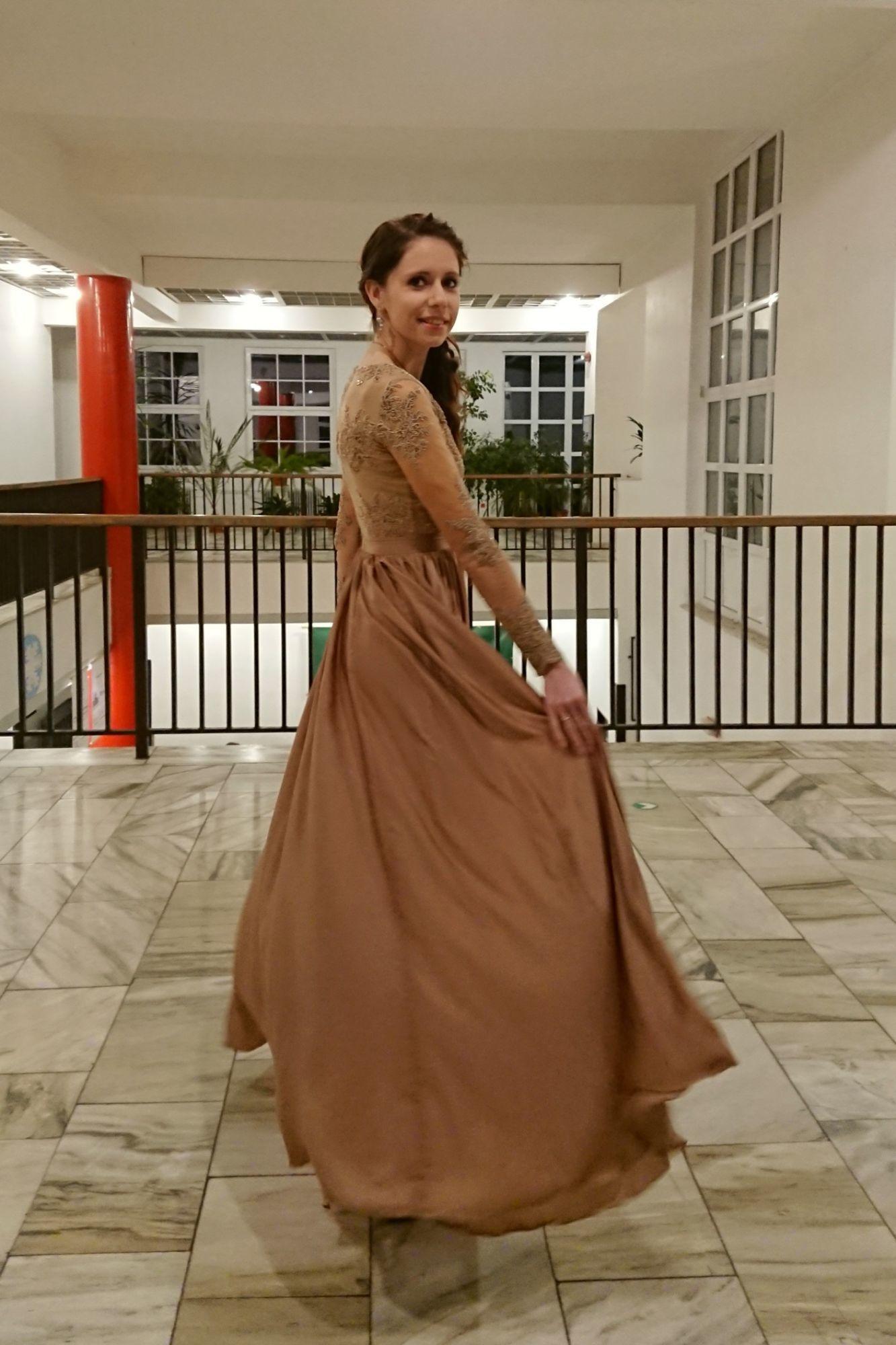 53359d1b336e Spoločenské šaty Arianrhod