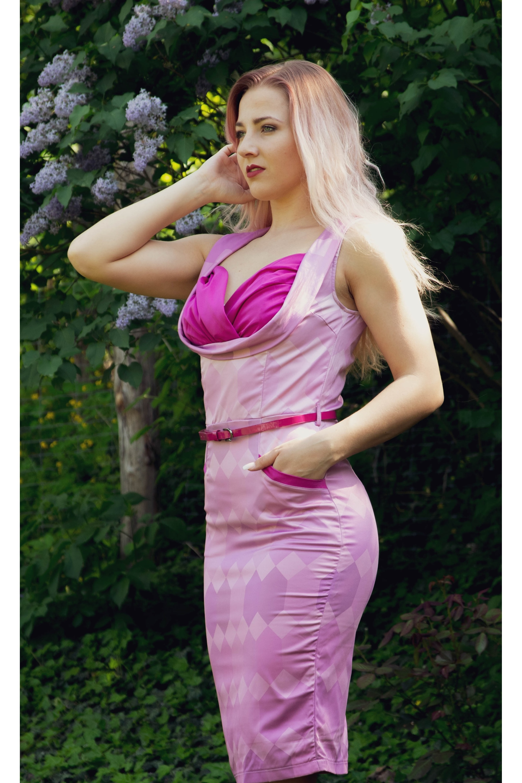 b7299fdc9d04 ... magenty Puzdrové šaty Vanessa