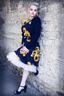 3fae93d4fb33 Šaty Vůně slunečnic